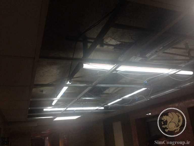 استفاده از لامپ مهتابی پشت سقف آسمان مجازی