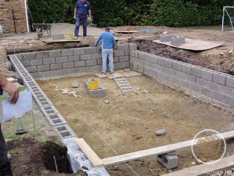 ساخت استخر باغ با بلوک سیمانی