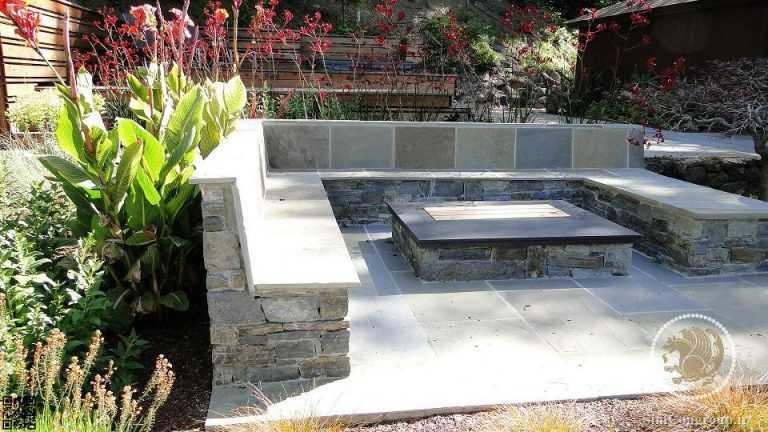 مبلمان سنگی در محوطه سازی حیاط