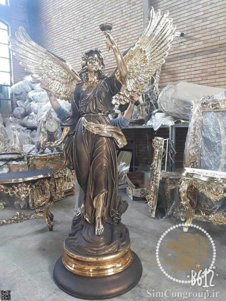 مجسمه آبنما